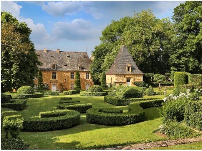 Manoir et Jardins d'Eyrignac (24)